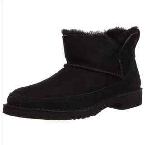 New w/ box UGG Black Women's Melrose Ankle Bootie